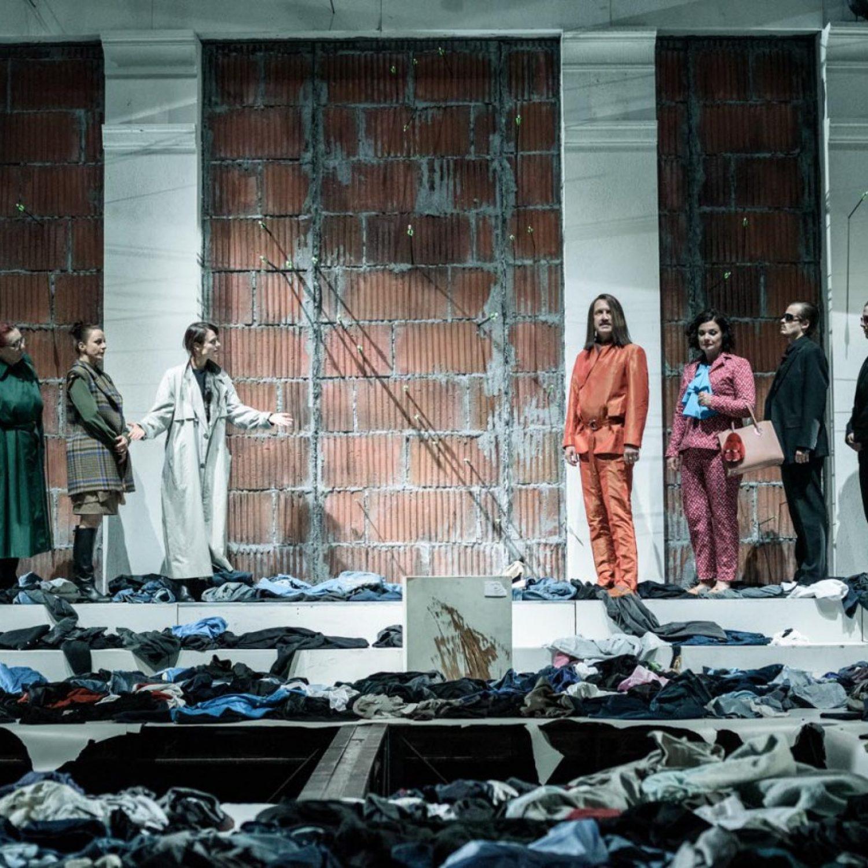 VÍTEJTE V THÉBÁCH - Národní divadlo